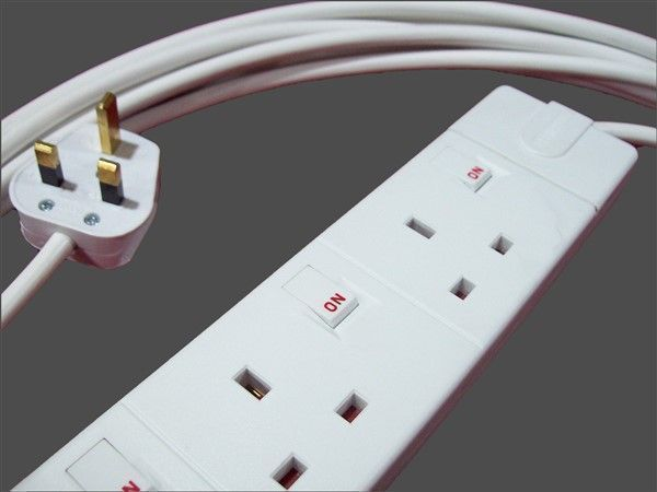 individually switched 4way socket extension lead